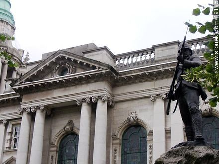 In memory of those who served in the 83rd (County of Dublin) Regiment and 86th (Royal County Down) Regiment 1793-1881. The Royal Irish Rifles 1881-192 - Photos of Belfast - North Ireland - BRITISH ISLANDS. Image #49185