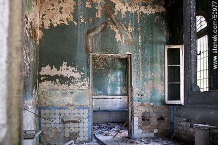 Vilardebo Hospital in ruinous state - Photos during the Heritage Day 2009 and 2011 - Department and city of Montevideo - URUGUAY. Image #50977