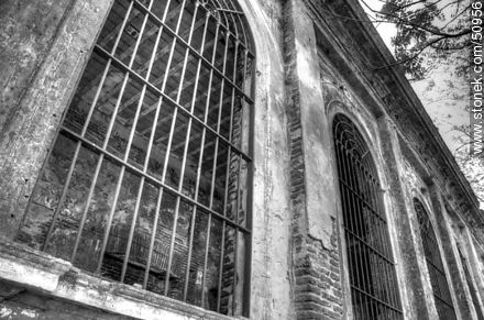 Vilardebó Hospital. Pavilions in advanced state of deterioration. - Photos in Black and White. - MORE IMAGES. Image #50956