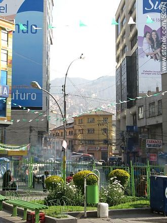 Plaza Vicenta Juariste Eguino - Photos of the City  of La Paz - Bolivia - Others in SOUTH AMERICA. Image #52071