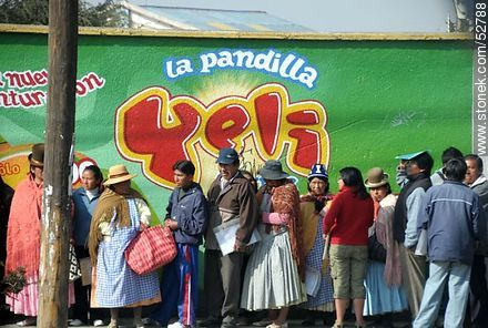 Line of people - Photos of El Alto - Department of La Paz, Others in SOUTH AMERICA. Image #52788