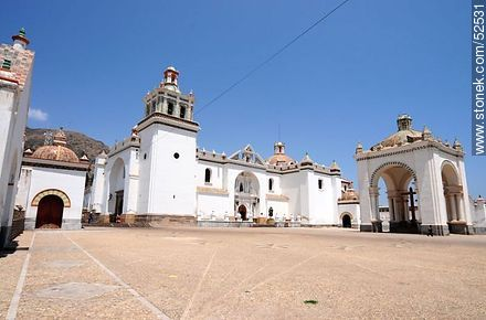 Basilica of Our Lady of Copacabana - Photos of the City of Copacabana - Bolivia - Others in SOUTH AMERICA. Image #52531