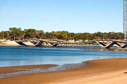 El Tesoro beach. Maldonado river. Curved bridge. - Photos of La Barra and Manantiales, URUGUAY. Image #54220