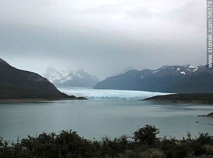 Distant view of the Perito Moreno Glacier. Lake Argentino. - Photos of the glacier Perito Moreno - ARGENTINA. Image #56379