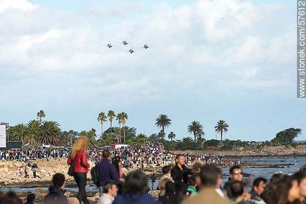 Formation of aircraft F-5 Tiger III of the Chilean Air Force - Photos of the air show in Punta Carretas for the 100 years of the Uruguayan Air Force - Department and city of Montevideo - URUGUAY. Image #57612