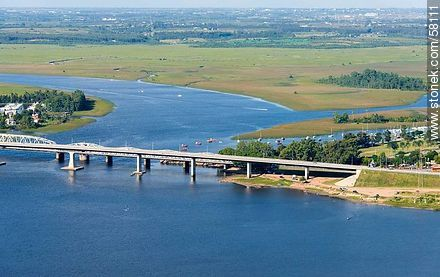 Ancient and modern bridges of Route 1 on the Santa Lucia river - Photos of Santiago Vazquez and La Barra de Santa Lucia - Department and city of Montevideo - URUGUAY. Image #58111