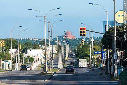 Church of Cerrito de la Victoria. Batlle y Ordóñez Boulevard - Photos of Sayago quarter - Department and city of Montevideo - URUGUAY. Image #58217
