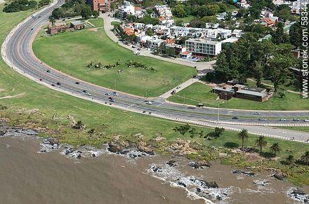 Aerial view of the Rambla Armenia, Free Space Arma de Ingenieros, Aduana de Oribe and the street Golfarini - Aerial photos of Montevideo - Department and city of Montevideo - URUGUAY. Image #58344