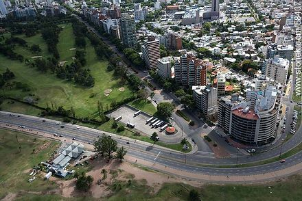 Aerial view of the buildings of the Rambla Gandhi and Bulevar Artigas - Extra photos of Montevideo. - Department and city of Montevideo - URUGUAY. Image #58407