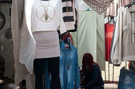 Women's clothing - Photos of Villa Biarritz market fair - Department and city of Montevideo - URUGUAY. Image #58572
