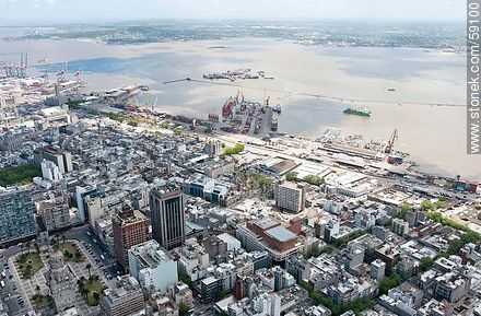 Aerial view of the Palacio Salvo, Radisson Victoria Plaza, Central Bank and the Bay of Montevideo - Photos of downtown - Department and city of Montevideo - URUGUAY. Image #59100