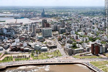 Aerial view of the Citadel street, Rambla Gran Bretaña, Central Market, Teatro Solis. Torre Ejecutiva. - Photos of downtown - Department and city of Montevideo - URUGUAY. Image #59075