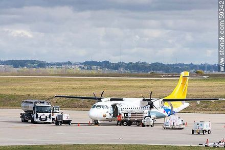 BQB ATR 72 Airplane - Photos of the International Airport of Carrasco - Km 20, Route 101, URUGUAY. Image #59342