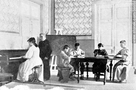 Foundling and Orphan Asylum. Blind class. 1909 - Photos of Old Montevideo (2) - Department and city of Montevideo - URUGUAY. Image #59653