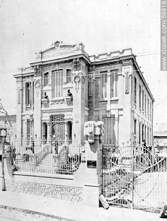 Philanthropy in Uruguay: TB League Building, 1910 - Photos of Old Montevideo (2) - Department and city of Montevideo - URUGUAY. Image #59816