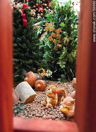 Christmas in the Punta Carretas Shopping. Squirrels and hazelnuts - Photos of  Punta Carrretas quarter - Department and city of Montevideo - URUGUAY. Image #59960