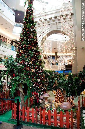 Christmas in the Punta Carretas Shopping Mall - Photos of  Punta Carrretas quarter - Department and city of Montevideo - URUGUAY. Image #59948