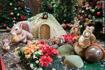 Christmas in the Punta Carretas Shopping Mall. Squirrels - Photos of  Punta Carrretas quarter - Department and city of Montevideo - URUGUAY. Image #59958