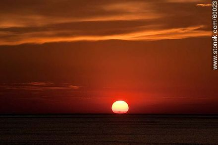 Sunset at sea - Photos of the open sea - Punta del Este and its near resorts - URUGUAY. Image #60023