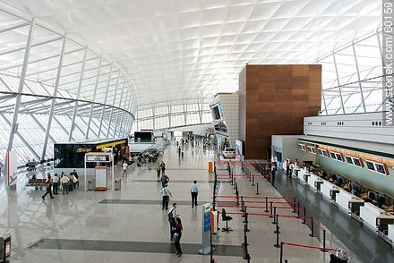 First floor of the airport - Photos of the International Airport of Carrasco - Km 20, Route 101, URUGUAY. Image #60159