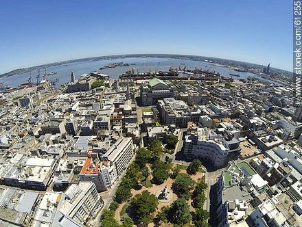 Aerial photo of the Plaza Zabala - Photos of the Old City - Department and city of Montevideo - URUGUAY. Image #61255