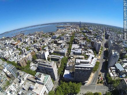 Aerial photo of the street Colonia corner with Av. del Libertador - Photos of downtown - Department and city of Montevideo - URUGUAY. Image #61297