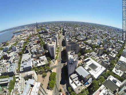 Aerial photo of Avenida del Libertador - Photos of downtown - Department and city of Montevideo - URUGUAY. Image #61300