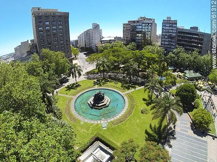 Aerial photo of the Plaza Fabini. Monument to Entrevero - Photos of downtown - Department and city of Montevideo - URUGUAY. Image #61312