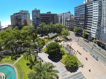 Aerial photo of the Plaza Fabini. Monument to Entrevero - Photos of downtown - Department and city of Montevideo - URUGUAY. Image #61318