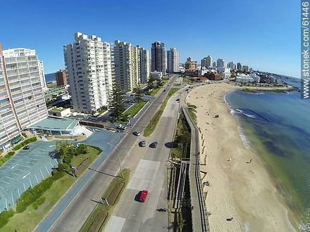 Aerial photo of the Rambla Williman in Playa Mansa. Pedestrian promenade - Photographs of beaches of Punta del Este - Punta del Este and its near resorts - URUGUAY. Image #61446
