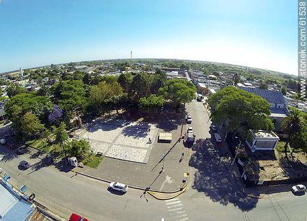 Aerial photo of the town of Sauce. Artigas Square.  Corner of the avenues Artigas and Carmelo René González - Photos of the town of Sauce - Department of Canelones - URUGUAY. Image #61538