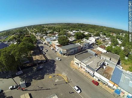 Aerial photo of the town of Sauce. Artigas Square.  Carmelo René González Ave. - Photos of the town of Sauce - Department of Canelones - URUGUAY. Image #61541