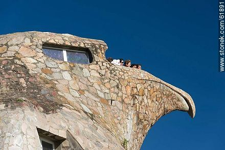 The stone eagle. Tourists on the viewpoint balcony - Photos of Atlantida - Department of Canelones - URUGUAY. Image #61891