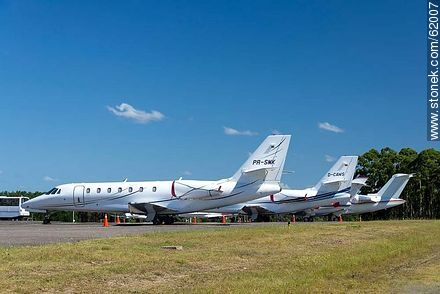 Private jets at the airport in Punta del Este C / C Carlos Curbelo - Photos of Laguna del Sauce, URUGUAY. Image #62007