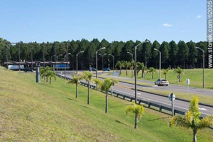 Access to Aeropuerto Curbelo - Photos of Laguna del Sauce, URUGUAY. Image #62005