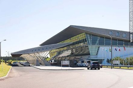 Curbelo International Airport at  Laguna del Sauce - Photos of Laguna del Sauce - Punta del Este and its near resorts - URUGUAY. Image #62009