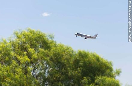 Jet taking off from Laguna Del Sauce Airport - Photos of Laguna del Sauce, URUGUAY. Image #62014