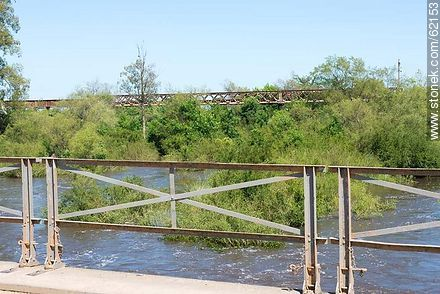 Antique folding railings of the bridge over the Santa Lucia River - Fotos of the city of San Ramón - On the Route 6, URUGUAY. Image #62153