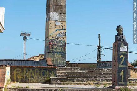Vandalized monuments - Things to correct - URUGUAY. Image #62440