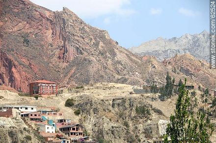 Mountains and neighborhoods south of the capital - Photos of the City  of La Paz - Bolivia - Others in SOUTH AMERICA. Image #62524