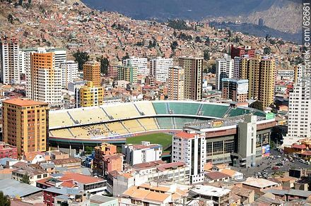 Aerial view of the capital from the viewpoint Killi Killi. Hernando Siles Stadium - Photos of the City  of La Paz - Bolivia - Others in SOUTH AMERICA. Image #62661