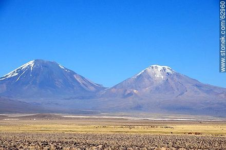 Mountains in the Sajama Park - Photos of Departmant of La Paz - Altiplano, Others in SOUTH AMERICA. Image #62960