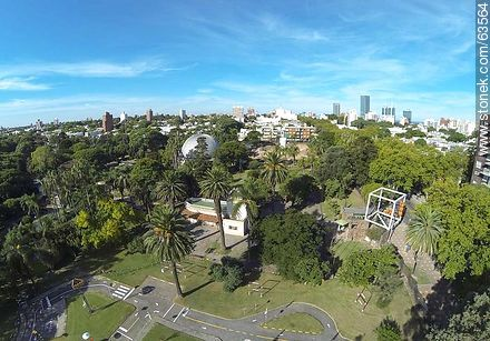 Aerial view of the entrance on Avenida Rivera - Photos of the Zoo of Villa Dolores - Department and city of Montevideo - URUGUAY. Image #63564