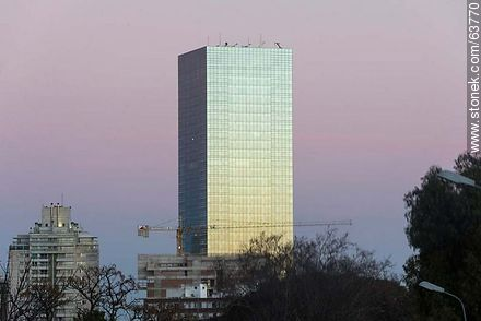 Tower 4 World Trade Center Montevideo - Photos of Buceo quarter - Department and city of Montevideo - URUGUAY. Image #63770