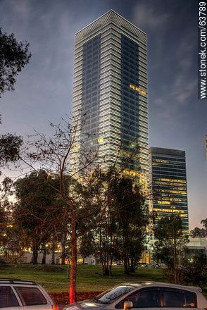 Tower 4 World Trade Center Montevideo. 40 floors - Photos of Buceo quarter - Department and city of Montevideo - URUGUAY. Image #63789