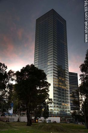 Tower 4 World Trade Center Montevideo. 40 floors - Photos of Buceo quarter - Department and city of Montevideo - URUGUAY. Image #63785