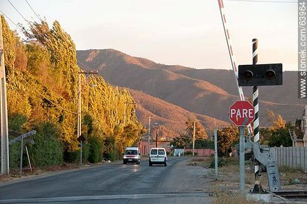 Arauco street and railway - Photos of the City of Quillota - Chile - Others in SOUTH AMERICA. Image #63964