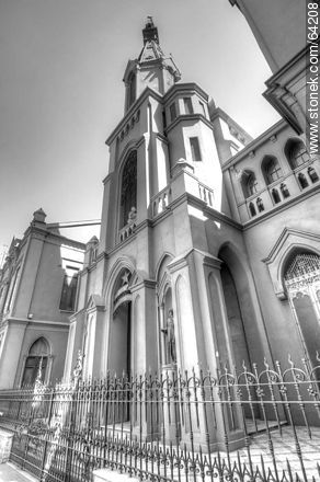 Church in the Mac-Iver street, Santiago de Chile - Photos in Black and White. - MORE IMAGES. Image #64208