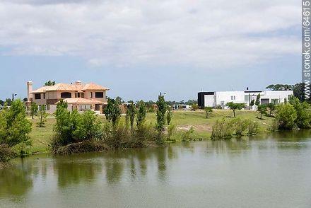 Los Lagos de Carrasco - Photos of Carrasco quarter - Department and city of Montevideo - URUGUAY. Image #64615