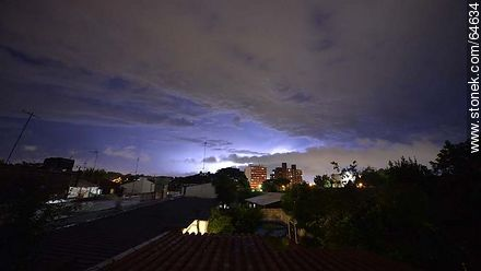 Thunderstorm in Montevideo - Extra photos of Montevideo. - Department and city of Montevideo - URUGUAY. Image #64634
